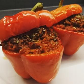 Gevulde paprika's met gehakt en rijst