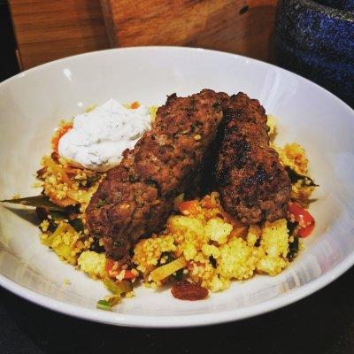 Couscous met runderkebab