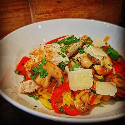 Tagliatelle met champignons en kip