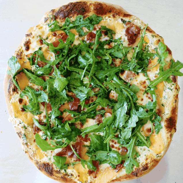 summer pizza recipe: cantaloupe prosciutto pizza