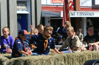 oregon trail days parade