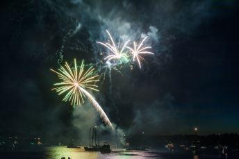 boston harbor fireworks show 2014
