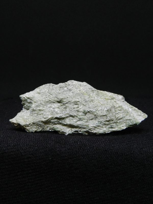 Flat side image of Actinolite