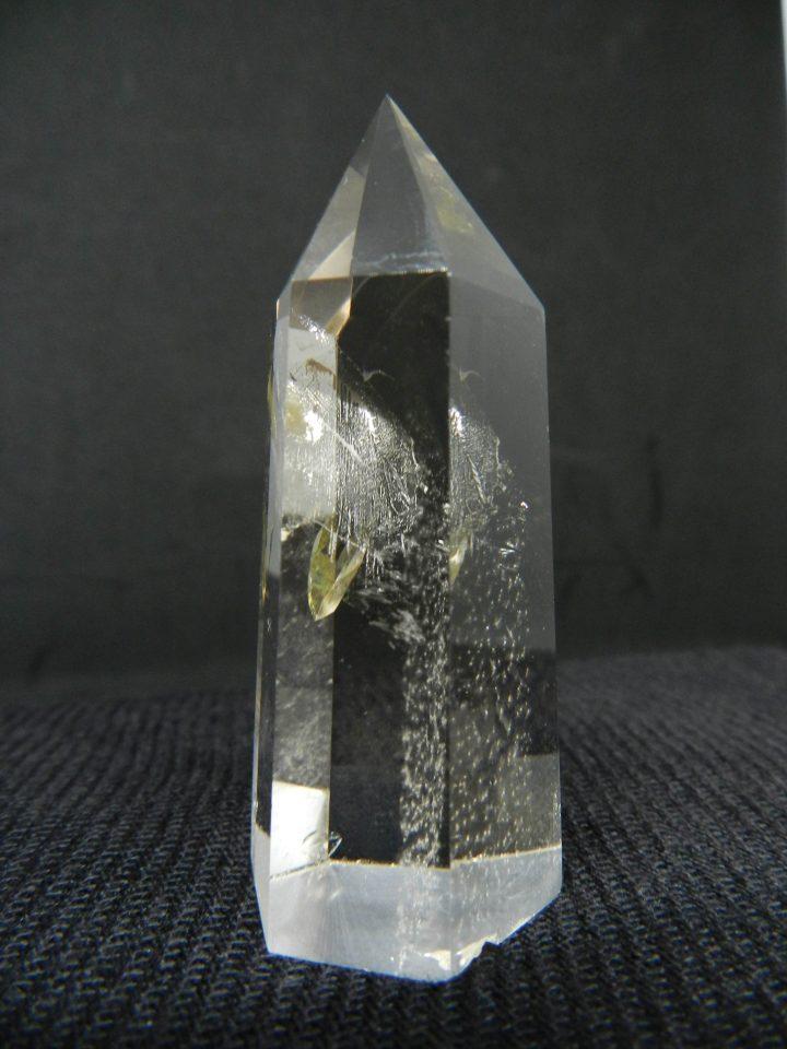 Side image of Quartz crystal