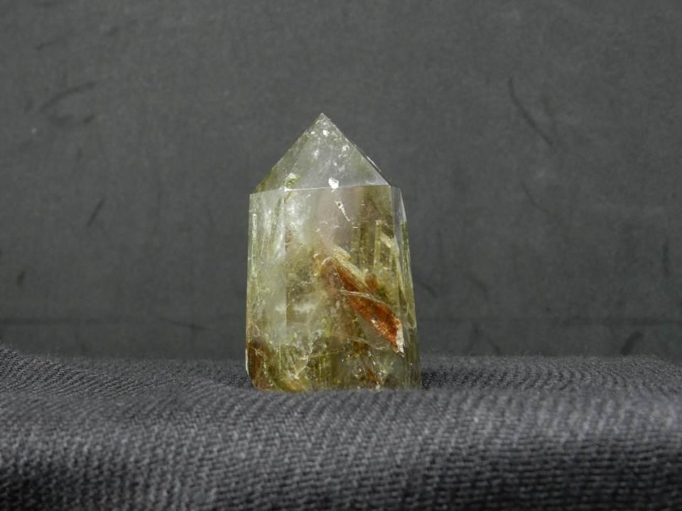 Side image of Quartz w. Tourmaline