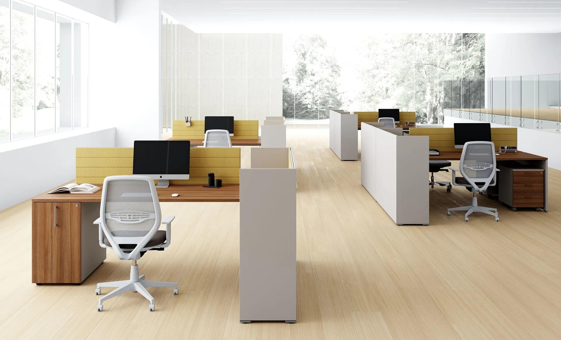 È uno tra i migliori esempi di mobili per gli ambienti lavorativi pratici e belli da vedere. Scrivania Operativa Oxi Di Las Mobili