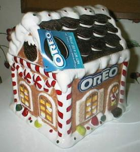 Oreo 2001 Gingerbread House Cookie Jar Kitchen