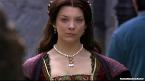 Anne-Boleyn-the-tudors-roleplay-on-msn-27908329-500-281