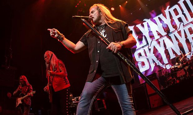 lynyrd skynyrd 39 s farewell tour 2019 dates tickets on sale. Black Bedroom Furniture Sets. Home Design Ideas