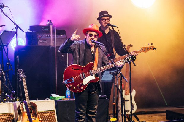 """Elvis Costello Announces """"Look Now And Then"""" Tour 2018 Dates"""