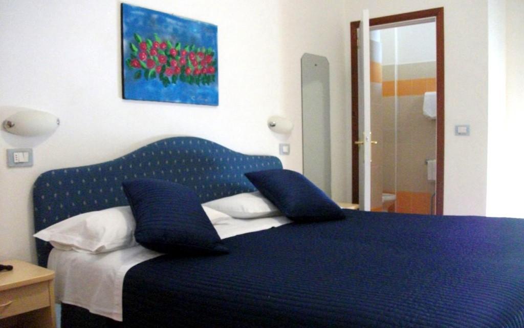 camera_matrimoniale_hotel_tirrenia