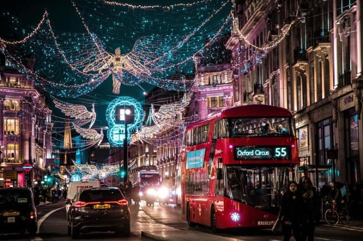 londres noël illumination ville et bus londonien - guide du voyageur ou partir en décembre