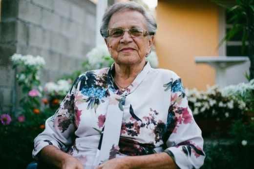 Surprends ta Mamie pour la Fête des Grands-Mères (2019) grand-mère personne âgée vieille femme