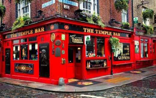Où partir en mars 2018 ? Les 5 villes d'Europe du mois Dublin Saint-Patrick bière The Temple Bar quartier typique irlandais vie nocturne