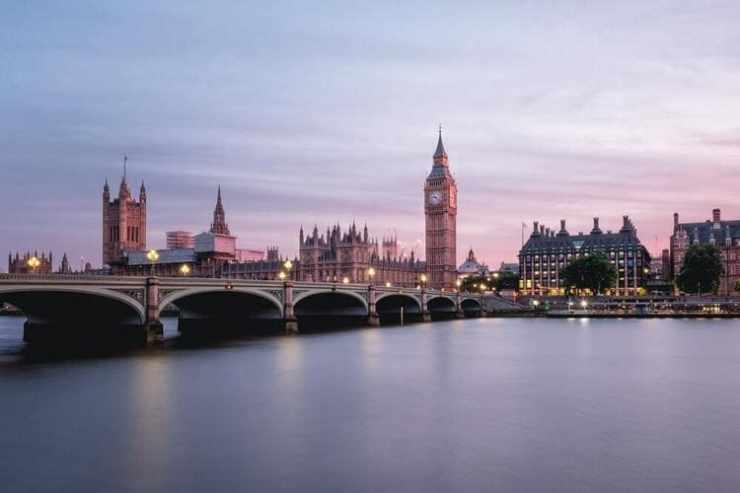 Brexit : top 5 des choses à faire à Londres avant le 29 mars 2019-paysage Big Ben Parlement anglais la Tamise pont coucher de soleil