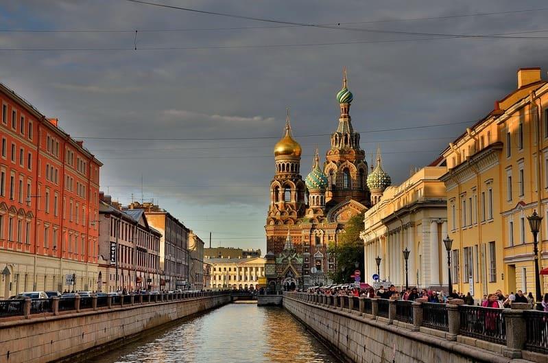 saint-petersbourg- une ville portuaire sur l'eau