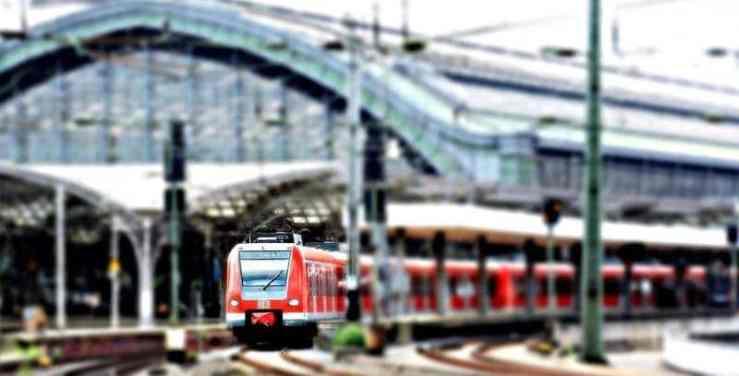 greve décembre - train flou greve des transports