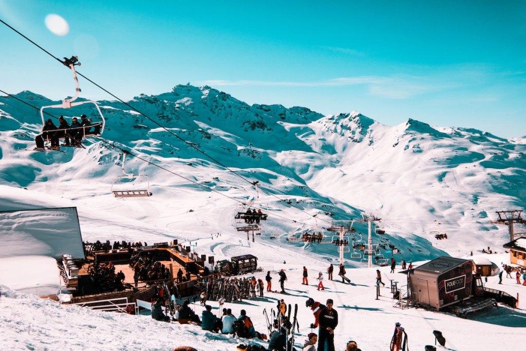 Station de ski Méribel-Mottaret pas cher train bus covoiturage tictactrip paysage neige hiver 2020 La Folie Douce