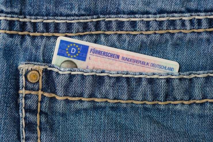 demande de permis international - permis dans la poche