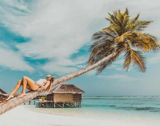vacances été 2020 - femme sur la plage