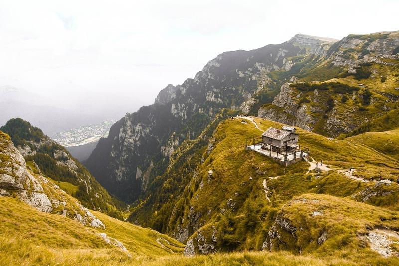 trail en roumanie montagne