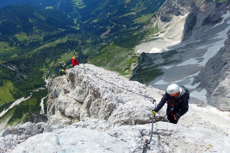 via ferrata montagne et paysage incroyable