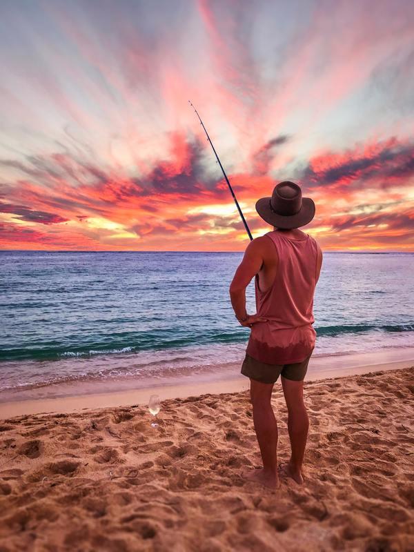 pêche en mer sur la plage - activités de station balnéaire