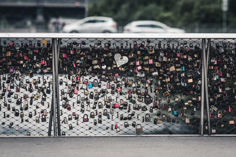 pont avec cadenas amour scellé Graz en Autriche