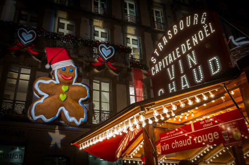 décoration et illumination bonhomme pain d'épice - strasbourg capitale de Noël vin chaud