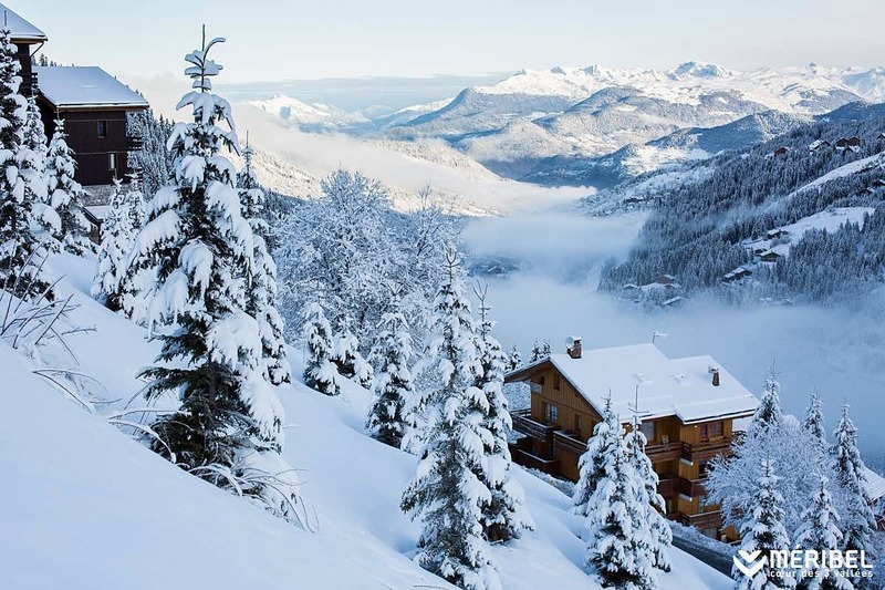 Méribel, station de skin alpin et chalets.