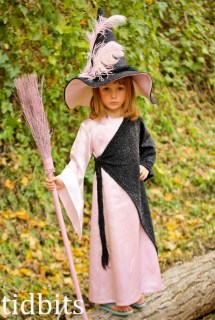 Witch Princess, Costume