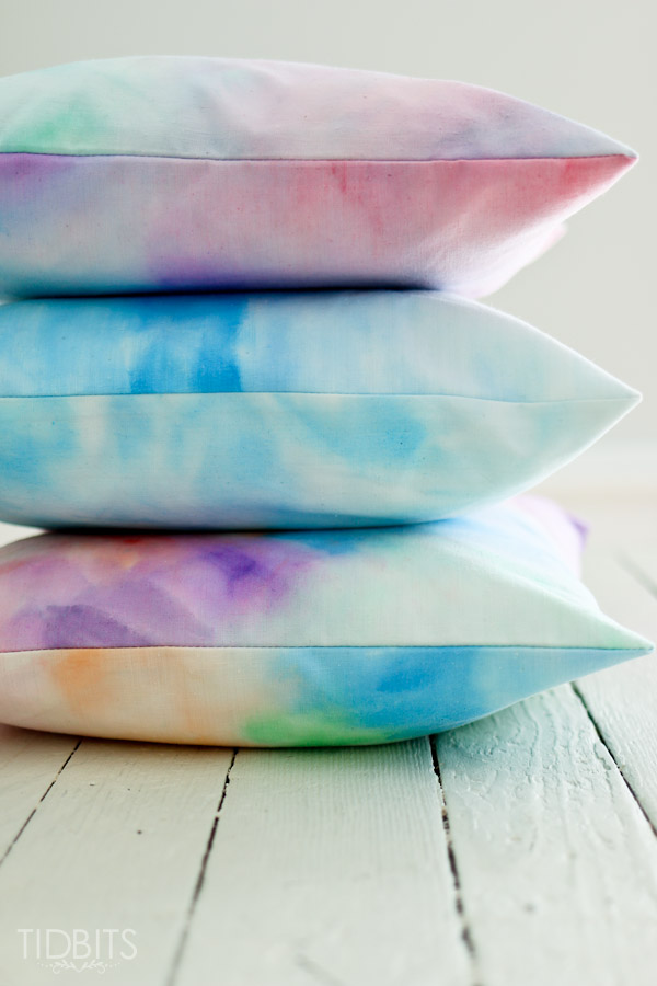Watercolor-paint-on-fabric-tidbits-9