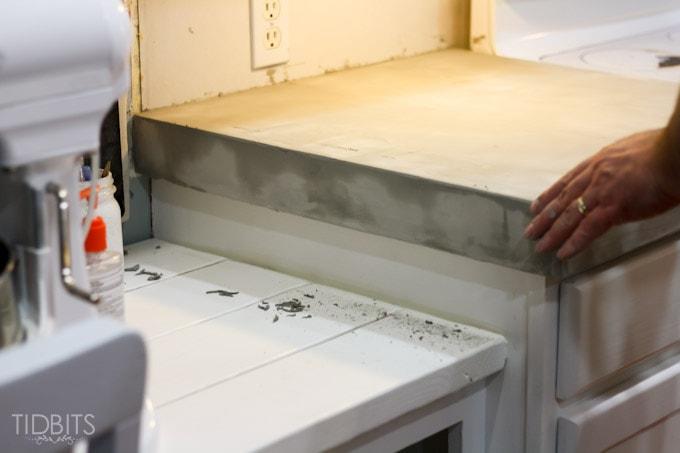 feather-finish-faux-concrete-countertops-10