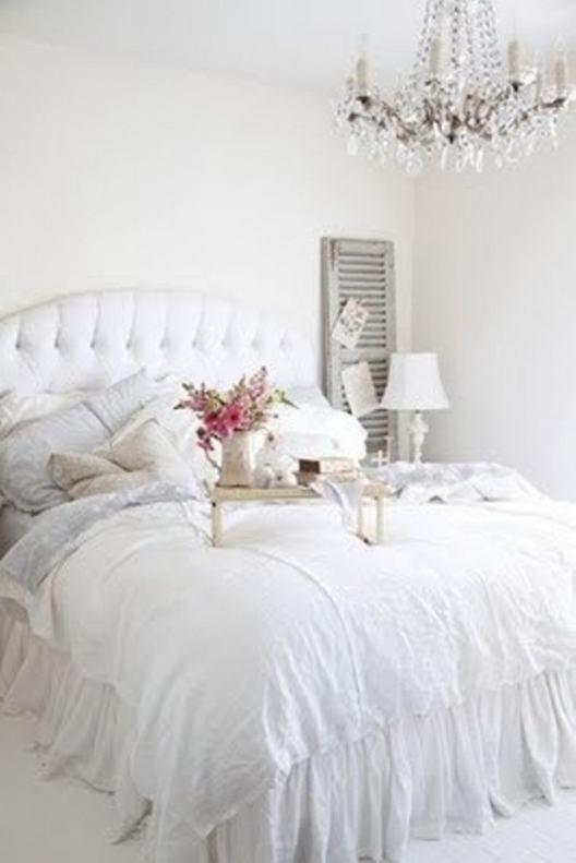 Peaceful-White-Bedroom-Designs_19