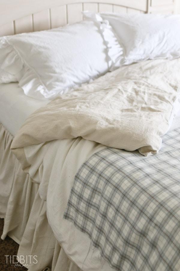 Master Bedroom Bedding-41