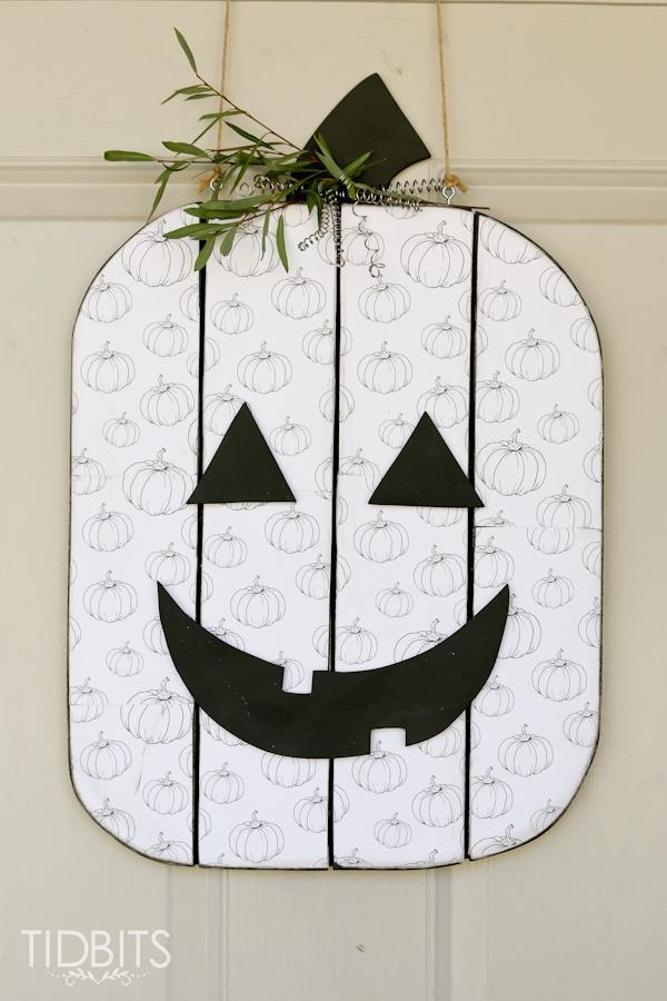 Seasonal character door hanger.