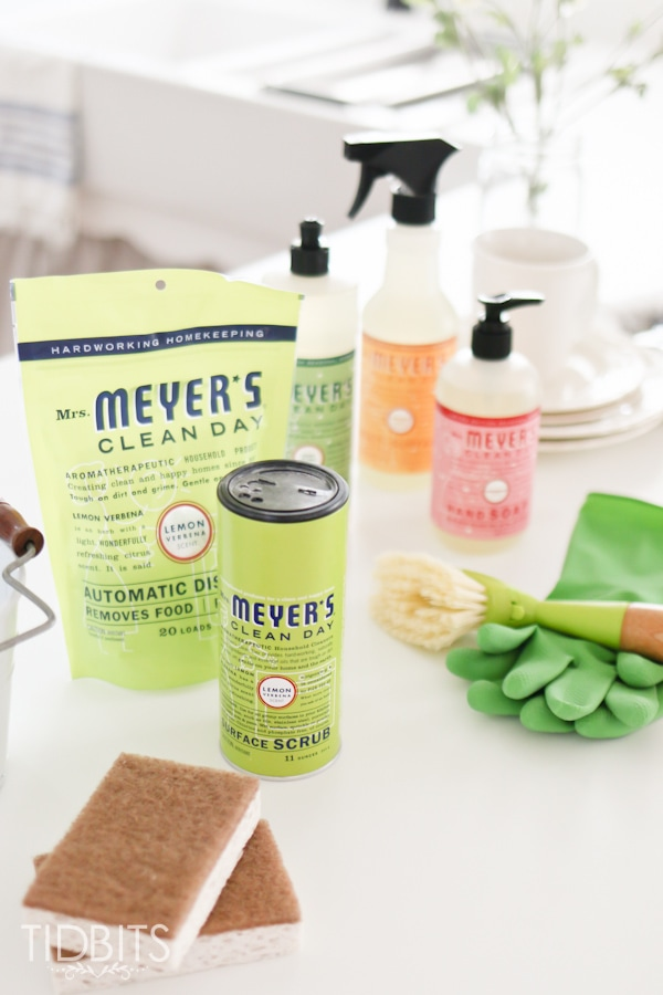 Give the gift of enjoyable dish washing, with a kit of your favorite products to make doing the dishes feel more like a spa retreat than a chore.