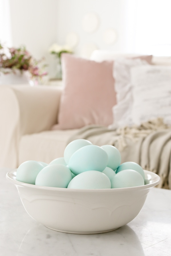 How to Dye Eggs with Food Coloring - Tidbits