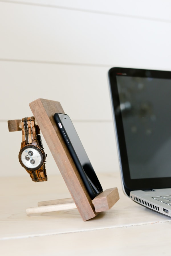 DIY Cell Phone Stand and Accessory Holder - Tidbits