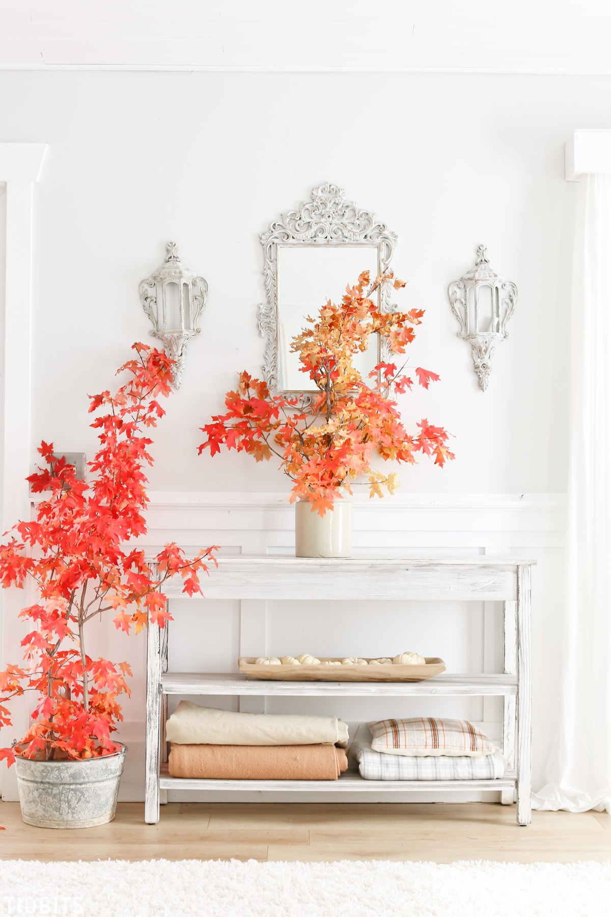 Enjoy the changing color of leaves outside and inside the home! Fall leaves in decor, by TIDBITS.