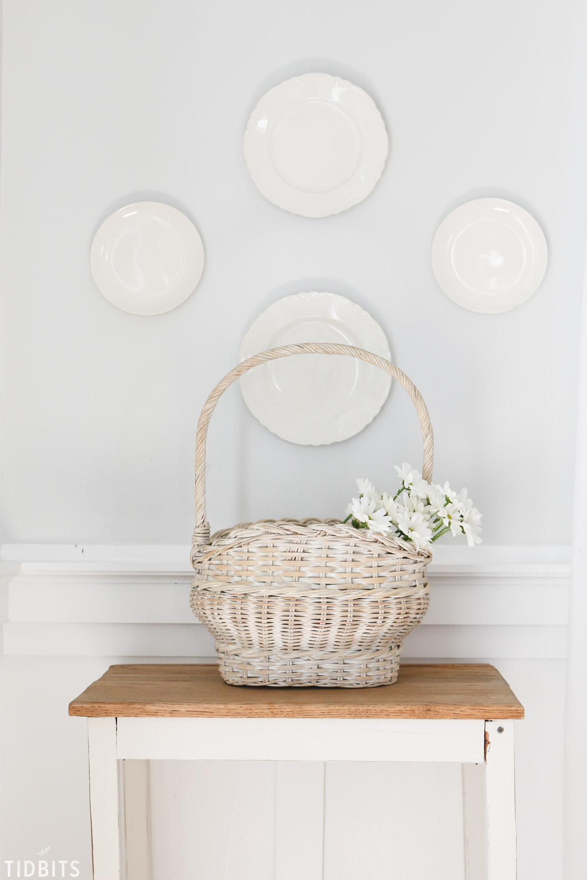 Do It Yourself Home Decorating Ideas: How To Hang Plates On The Wall