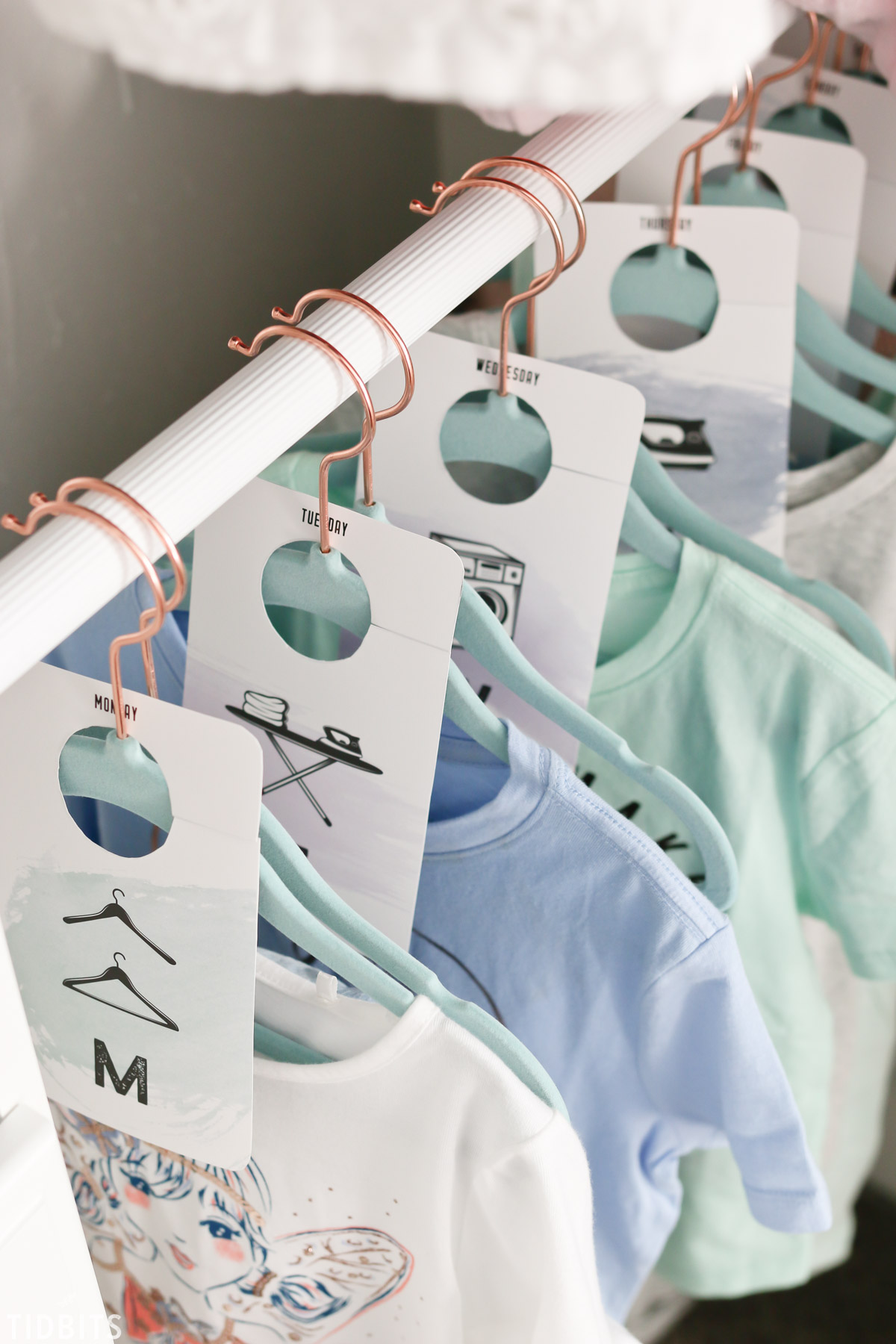 Days of the week closet dividers free printables