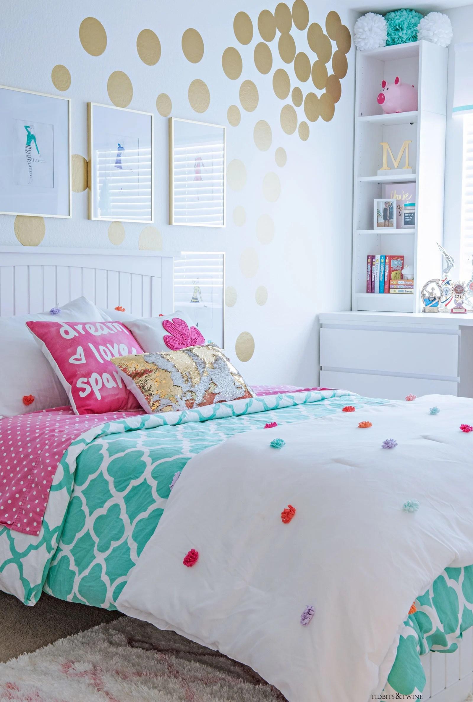 tween s bedroom makeover reveal tidbits amp twine on Tween Girl Bedroom Ideas id=54614