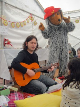 Wombles singalong at the Wimbledon Village Fair 2011