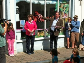 Speeches from Kate Robertson and Roy Burke outside the exhibition