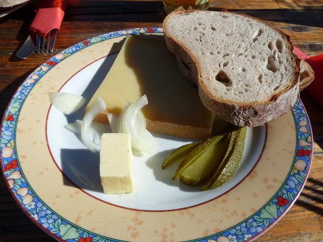 Wenger-Egg-Alpe-Käsebrotzeit