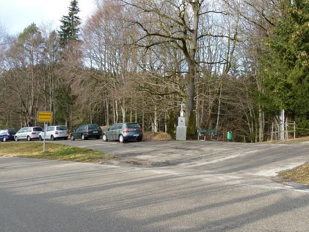 Ortsrand von Großkemnat mit Abstieg zur Höll'