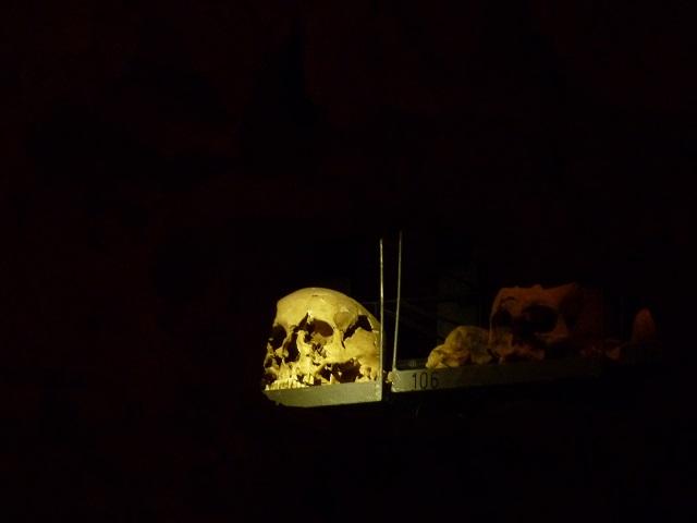 Totenschädel in der Erasmuskapelle Kempten