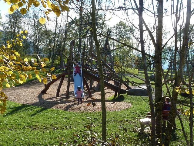 Naturspielplatz Im Hasengarten bei Rettenberg im Allgäu