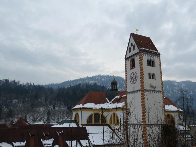 Die Kirche St. Mang in Füssen im Winter